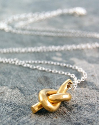 gold-nautical-knot-necklace (1)