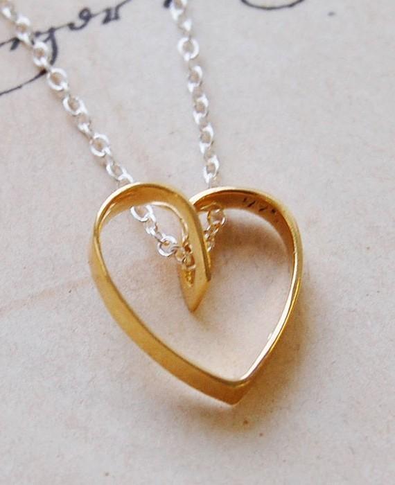 lace-gold-heart-pendant-necklace