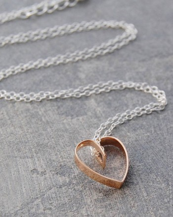 lace-rose-gold-heart-pendant