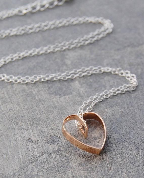 lace-rose-gold-heart-pendant