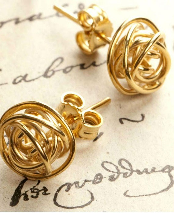 nest-gold-stud-earrings
