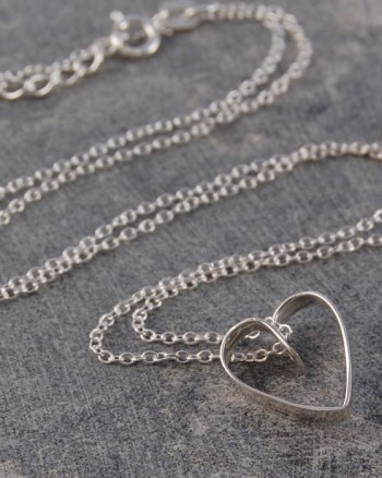 silver-lace-heart-pendant-necklace