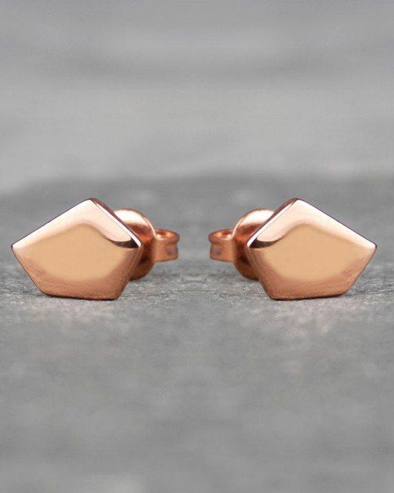 geometric-pentagon-gold-stud-earrings (1)