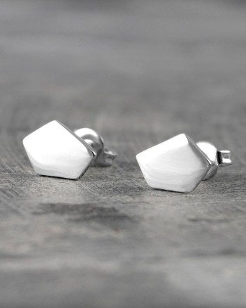 geometric-pentagon-silver-stud-earrings